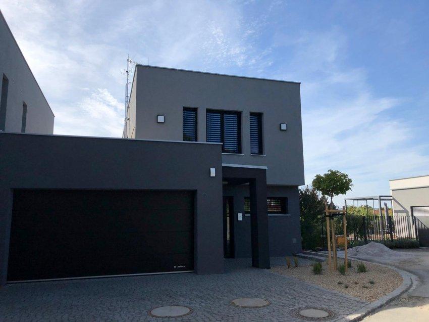 Moderní dům s moderní elektroinstalací